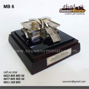 Souvenir Miniatur Gedung DPR-MPR