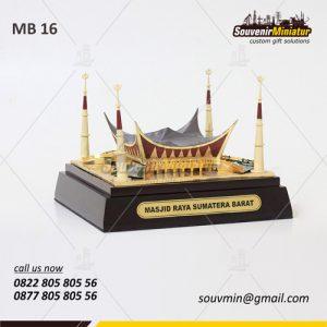 Souvenir Miniatur Masjid Raya Sumatera Barat